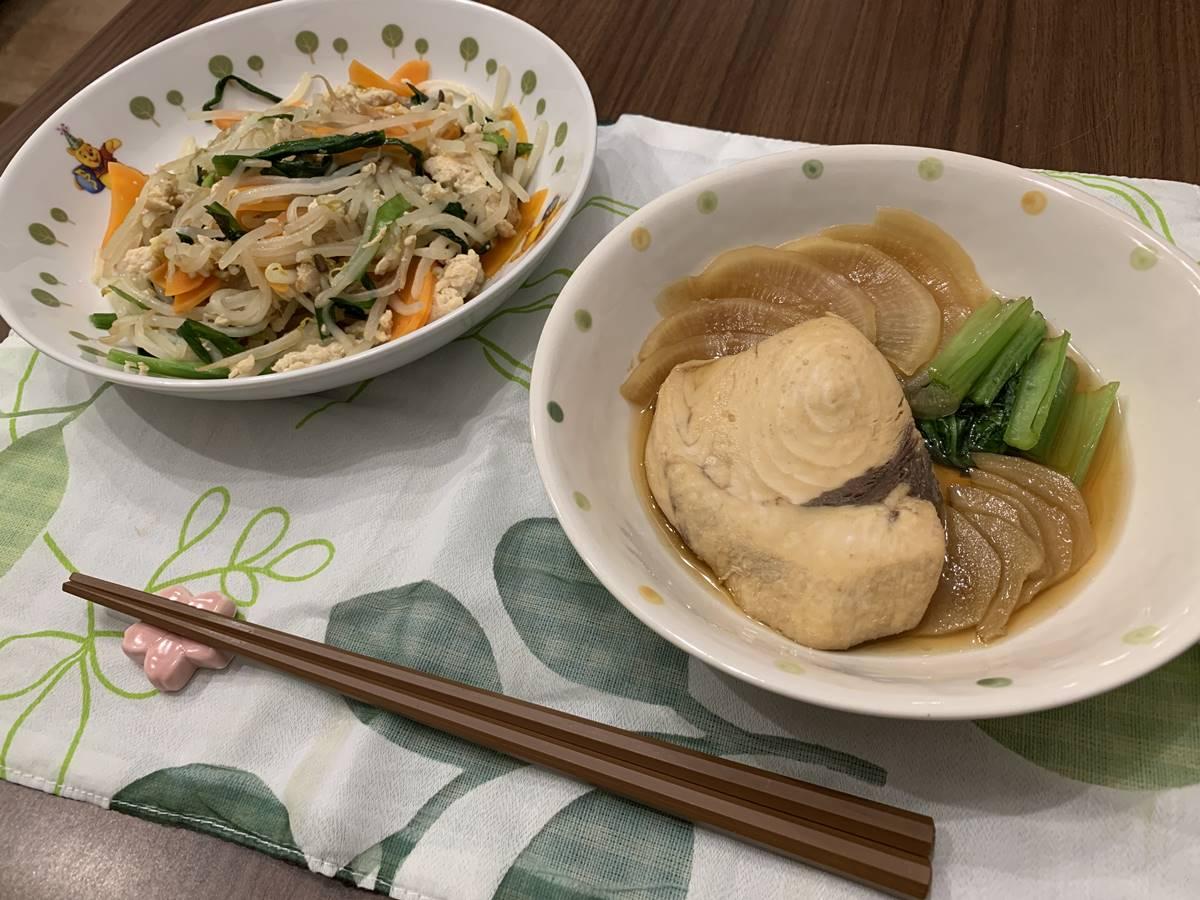 ヨシケイの「めかじきの煮付け」と「うま塩そぼろ炒め」