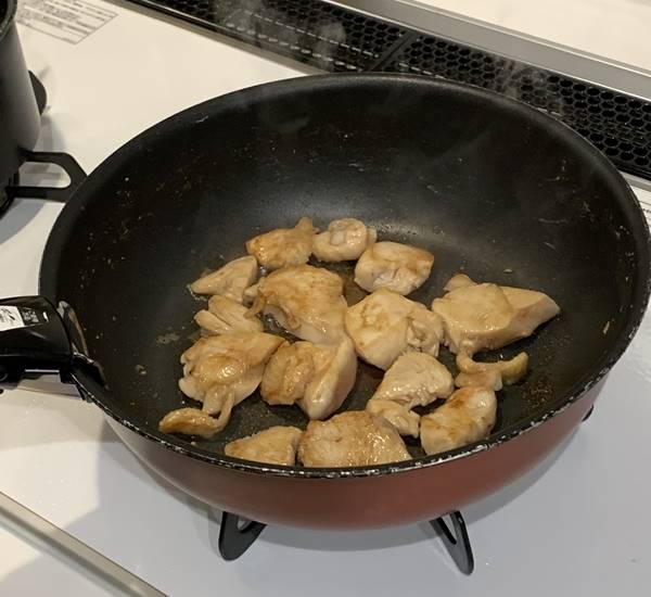 鶏ムネ肉を加熱